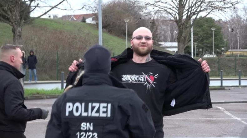 Rechtsradikale stören Antifa-Marsch gegen AfD-Europawahlversammlung in Riesa