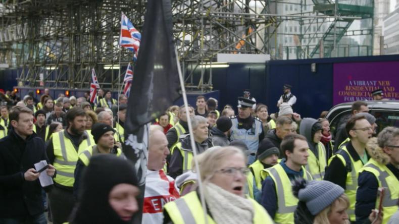 """London: """"Gelbwesten"""" protestieren, nachdem Protest-Organisator festgenommen wurde"""