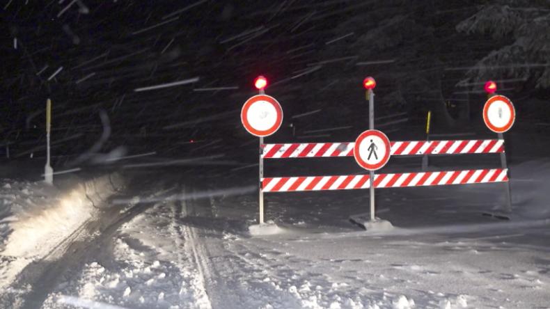 Nach Lawine in Südtirol: Biathlonzentrum und Hotelanlagen von Außenwelt abgeschnitten
