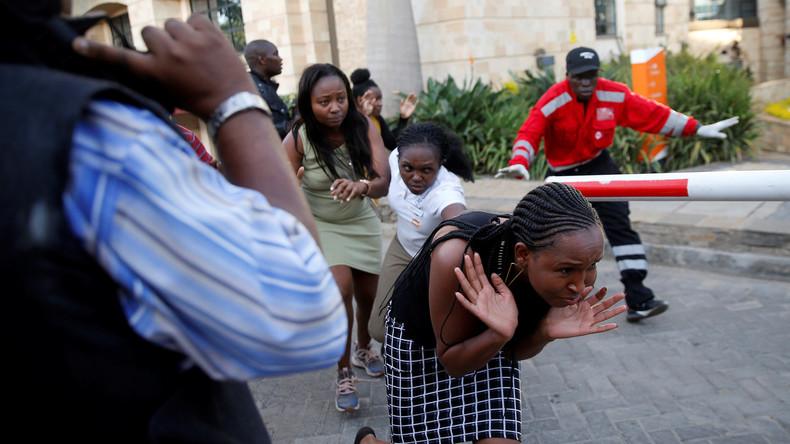 Anschlag auf Hotel in Nairobi – Al-Shabaab bekennt sich zur Tat, Angreifer noch immer im Gebäude