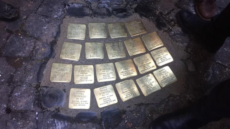 """Gestohlene """"Stolpersteine"""" in Rom wieder ersetzt"""