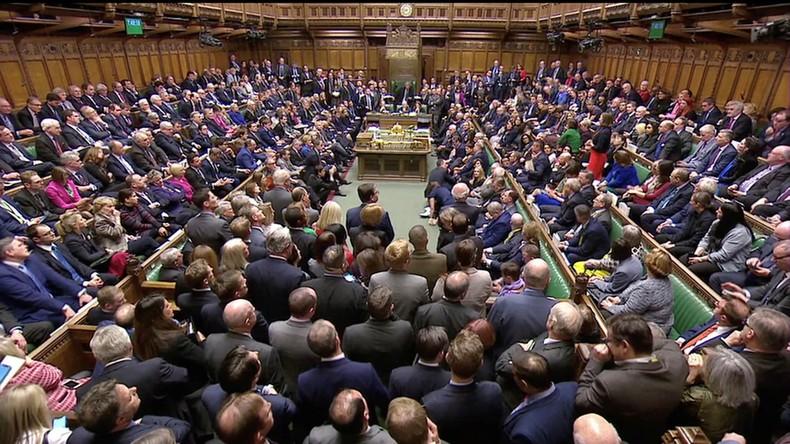 Großbritannien: Parlament lehnt mit überwältigender Mehrheit Brexit-Vereinbarung ab