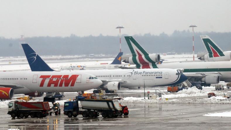 Mailänder Flughafen gesperrt, nachdem Migrant aus dem Flugzeug springt