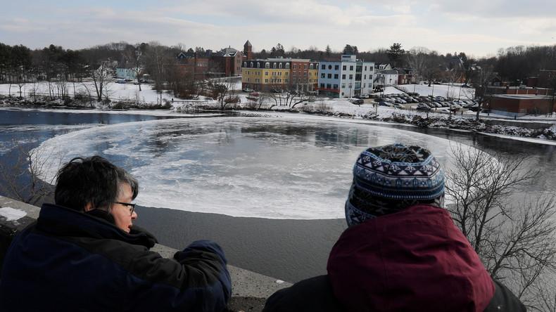 Rotierende Eisscheibe in US-Fluss sorgt für Aufsehen