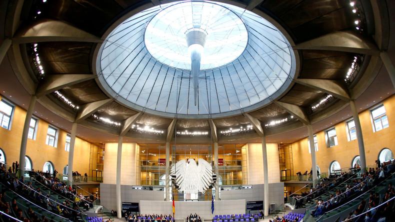 LIVE: Feierstunde zum 100. Jahrestag der Einführung des Frauenwahlrechts im Deutschen Bundestag