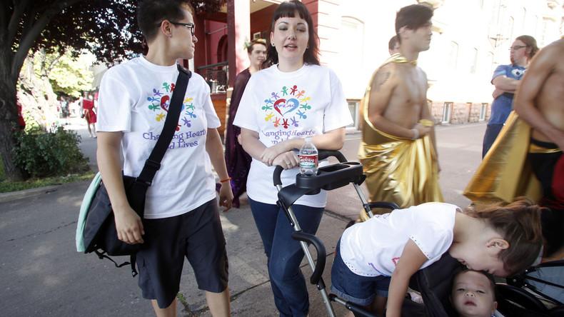New York verbietet Therapie gegen Homosexualität bei Kindern, erklärt Gender zur Hatecrime-Kategorie