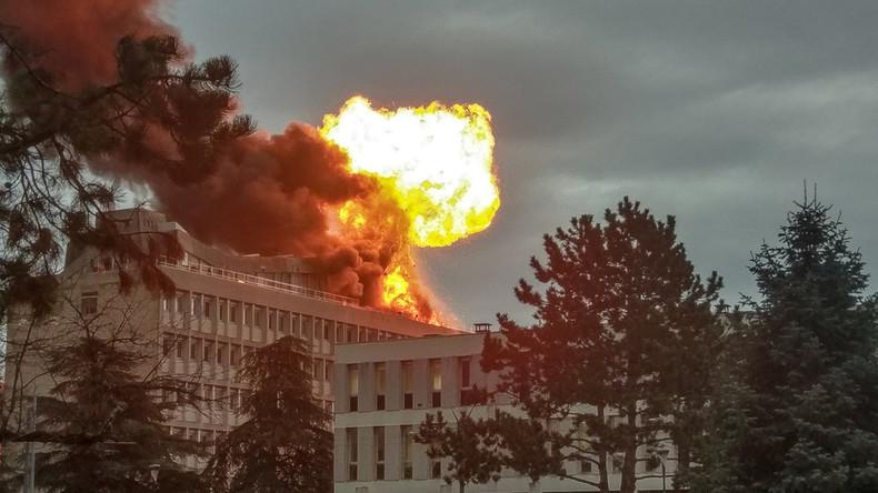 Enorme Gasexplosion erschüttert Universität in Lyon (Videos)