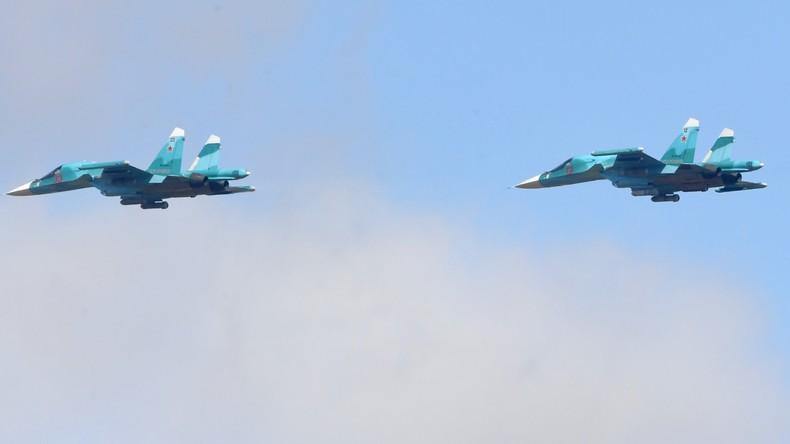 Zwei russische Jagdbomber über der See zusammengestoßen - beide Piloten tot geborgen