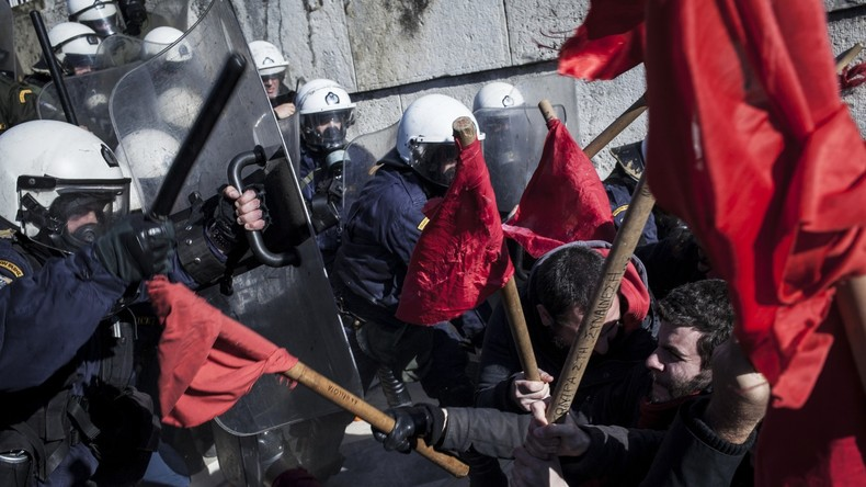 Athen: Massive Zusammenstöße zwischen Polizei und demonstrierenden Lehrern
