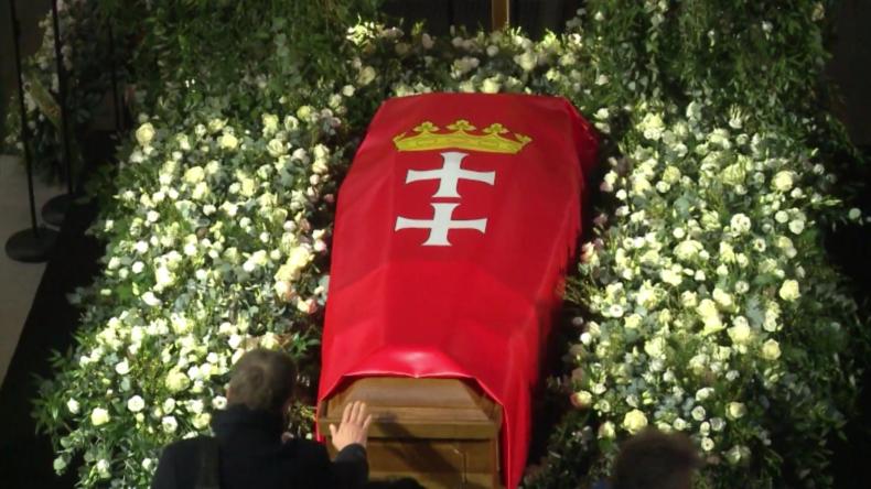 Polen: Tausende nehmen an der Trauerprozession für den getöteten Danziger Bürgermeister teil