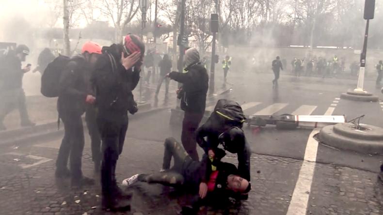 """Frankreich: Gelbwesten lehnen Macrons """"Große Nationale Debatte"""" ab"""