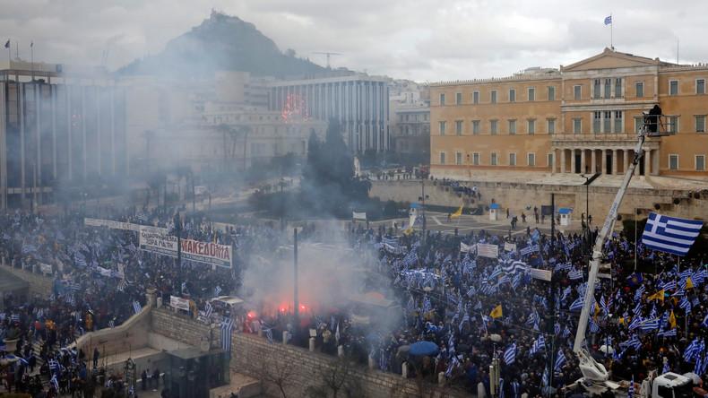 Ausschreitungen bei Kundgebung gegen Namensänderung Mazedoniens in Athen
