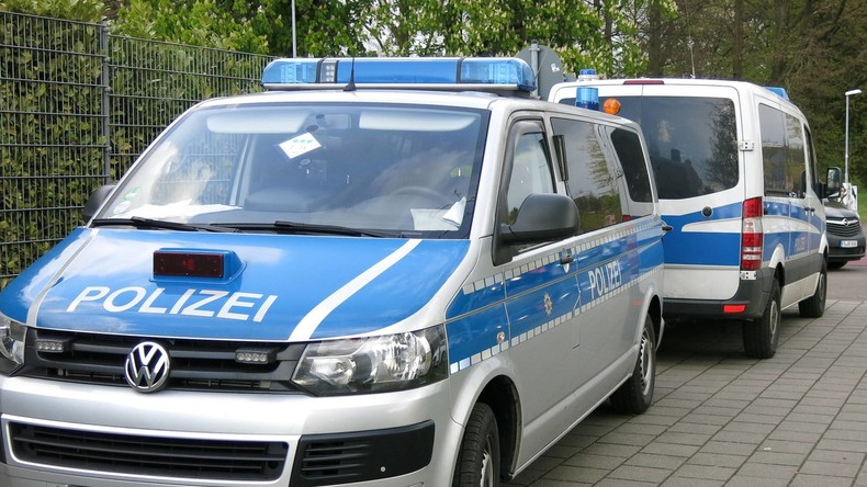 Großeinsatz in Hessen: Polizei sucht mit Hubschrauber nach bewaffneter Frau