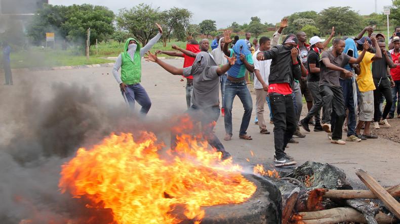 Südafrika erwägt Rettungsaktion für krisengeplagtes Nachbarland Simbabwe