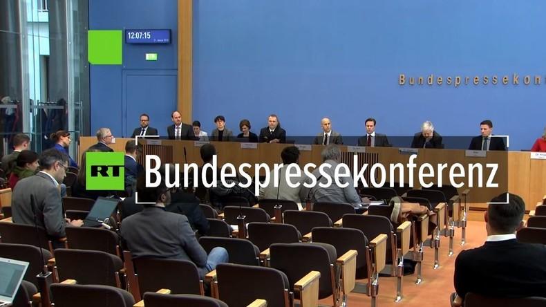 Bundespressekonferenz: Wieso hielt Merkel-Regierung den Aachener Vertrag als Verschlusssache zurück?