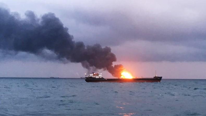 Zwei Frachtschiffe brennen vor Meerenge von Kertsch – mindestens elf Tote