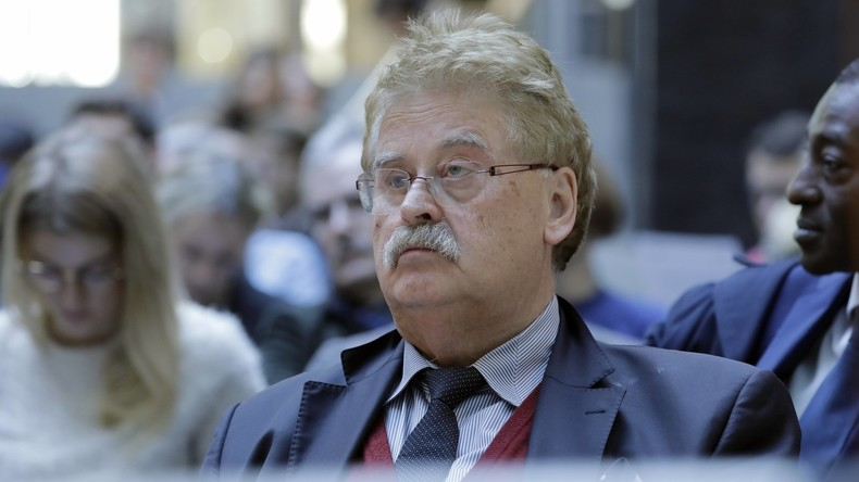 Elmar Brok macht wirklich Schluss – kassierte er unrechtmäßig Geld von Besuchern?