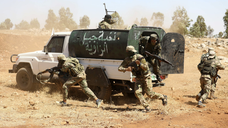 Vor Eintreffen von Erdoğan bei Putin: Russisches Militär meldet Extremisten-Angriffe in Idlib