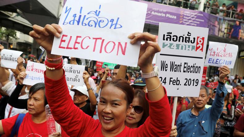 Thailänder sollen nach fast acht Jahren wieder wählen dürfen