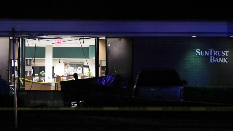 21-Jähriger erschießt mindestens fünf Menschen in Bank in Florida