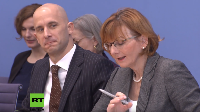 Bundespressekonferenz: Merkel-Sprecherin findet Vermögensverteilung in Deutschland vorbildlich