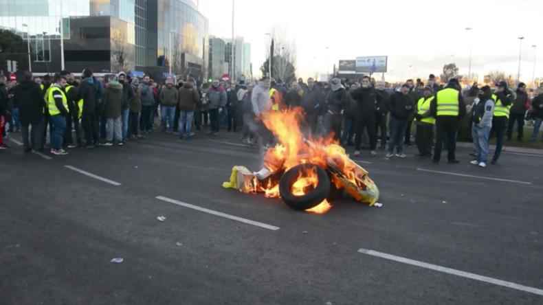 Spanien: Der Streik der Taxifahrer wird gewalttätig, während die Proteste in Madrid anhalten