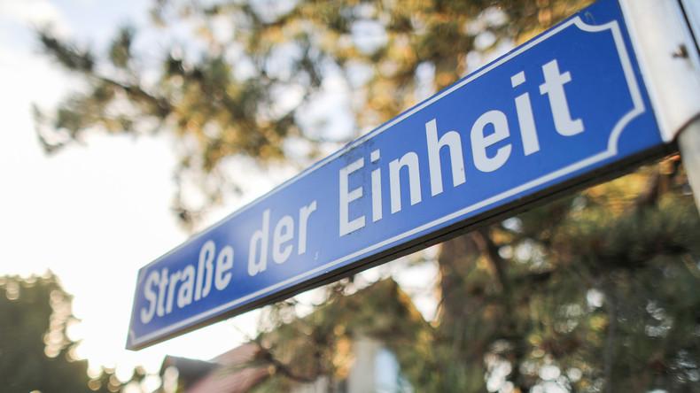 Westpresse empört über angebliches Demokratiedefizit in Dunkeldeutschland