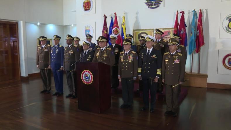 Venezuela: Verteidigungsminister stellt sich hinter Maduro