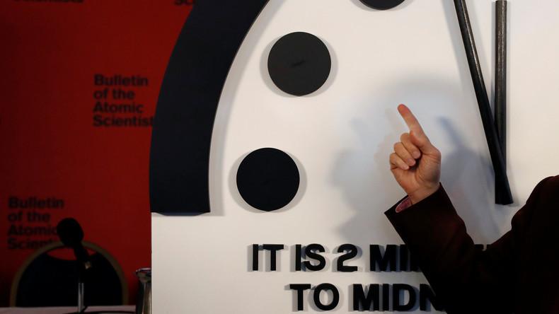 """""""Die neue Abnormität"""": Weltuntergangsuhr steht bei zwei Minuten vor Mitternacht"""