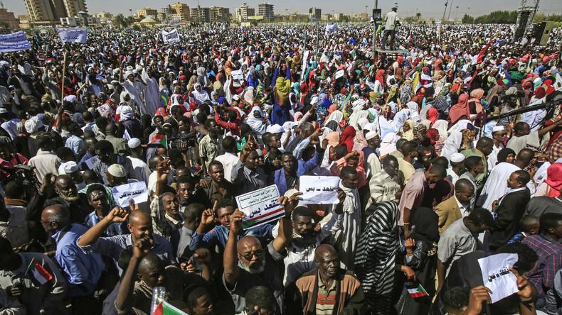 Präsident al-Baschir über Proteste: Im Sudan wird der Arabische Frühling kopiert