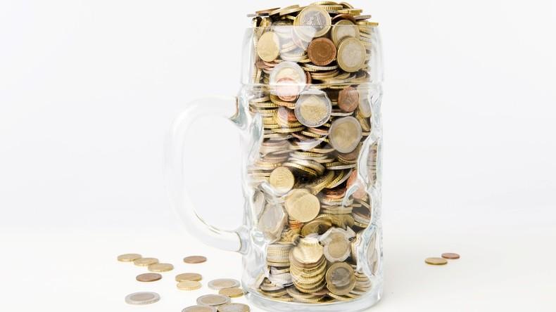 USA: Mutter spendet alten Kram  – darunter auch ein Kaffee-Becher mit 6.500 US-Dollar