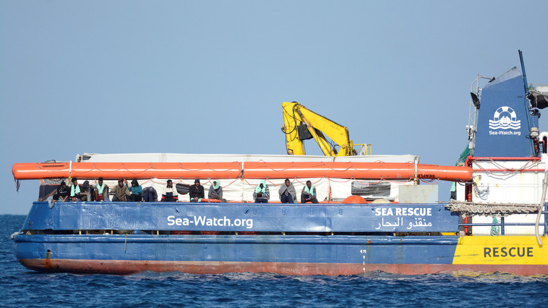 Italien: Migranten von Schiff