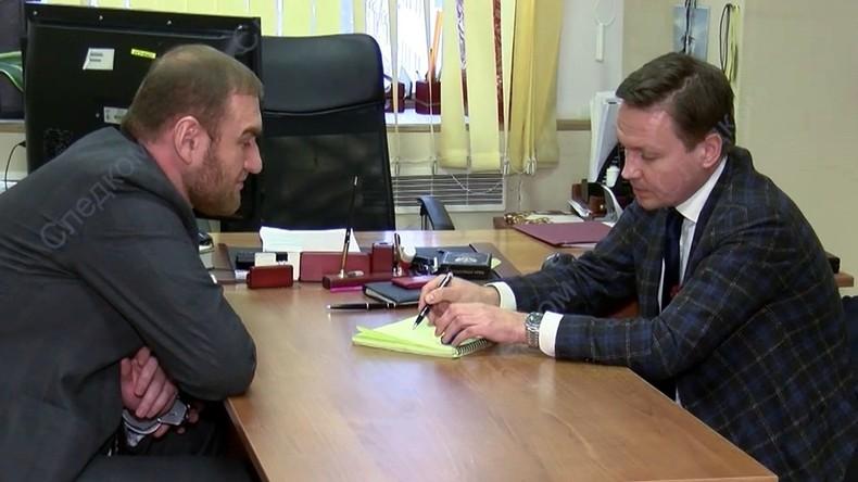 Wegen doppelten Mordverdachts: Abgeordneter aus Russlands Föderationsrat abgeführt