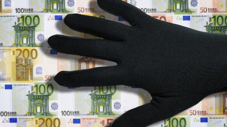 Schlag gegen internationale Bande - Anleger um Millionen betrogen