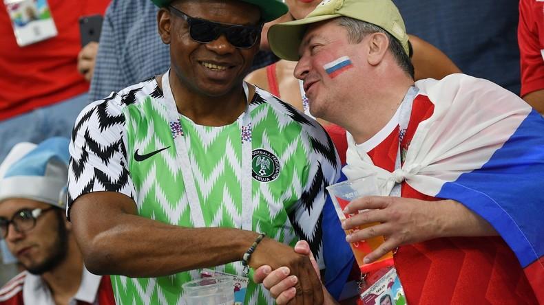 Tausende Fans nach Fußball-WM immer noch in Russland – darunter fast 2.000 Nigerianer