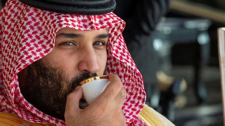 Eine Reihe von Indizien rückte den saudischen Thronfolger Mohammed bin Salman, hier bei einer Militärveranstaltung am 23. Dezember 2018 in Riad, in die Nähe des Mordes am Journalisten Jamal Khashoggi.