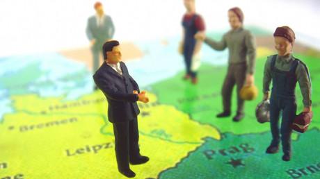 Kapitalbesitzer in Deutschland sind erfreut: Der Andrang von billigen Arbeitskräften aus Osteuropa erhöht die Profite