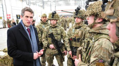 Britischer Verteidigungsminister: Großbritannien will nach Brexit Militärpräsenz im Ausland ausbauen