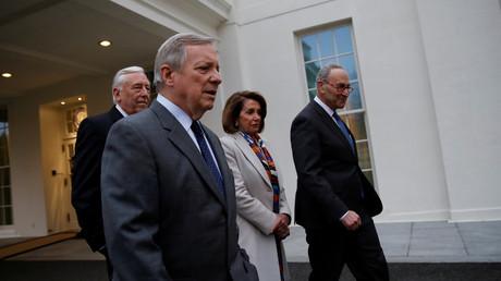 Demokraten verlassen das Weiße Haus: Kein Durchbruch bei Treffen mit US-Präsident Donald Trump zum
