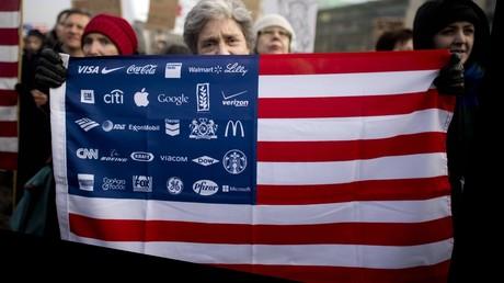 Der Liberalismus befreite das Kapital von seinen Ketten - und steht heute vor seinem Zusammenbruch. (Das Bild zeigt eine Demonstration in Berlin gegen den Besuch des US-Präsidenten Donald Trump im Februar 2017)