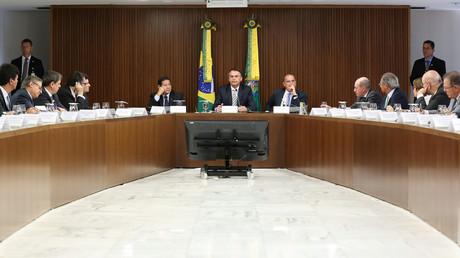 Brasiliens Präsident Jair Bolsonaro mit seinen Ministern im Palácio do Planalto, dem offiziellen Amtssitz des Präsidenten.