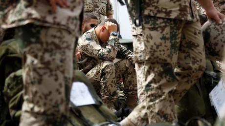 Symbolbild: Deutsche Bundeswehr-Soldaten nach ihrem Einsatz in Afghanistan, Termez, Usbekistan, 28. April 2010.