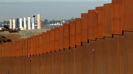 Blick auf einen Prototyp der Mauer, die Donald Trump an der Grenze zu Mexiko errichten will, 7. Januar 2019.