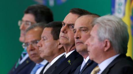 Zum Teil strafrechtlich vorbelastet: Joaquim Levy (Chef der Brasilianischen Entwicklungsbank), Paulo Guedes (Wirtschaftsminister), Hamilton Mourao (Vizepräsident), Jair Bolsonaro (Präsident), Onyx Lorenzoni (Kabinettschef), Rubem Novaes (Chef der Banco de Brasil) (v.l.n.r.)