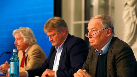 Bald unter Beobachtung? Die AFD-Parteivorsitzenden Jörg Meuthen und Alexander Gauland während des Landtagswahlkampfes in Hessen im Oktober 2018