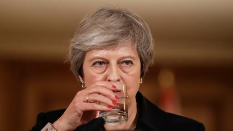 Die britische Premierministerin Theresa May steht nach der vernichtenden Brexit-Abstimmung unter enormen Druck.