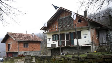 Wie hier im bosnischen Dorf Gornja Maoca gibt es auch in der Region rund um die serbische Stadt Novi Pazar Anhänger radikaler salafistischer Bewegungen. Einer von ihnen soll laut serbischen Quellen ein Attentat gegen Putin geplant haben.