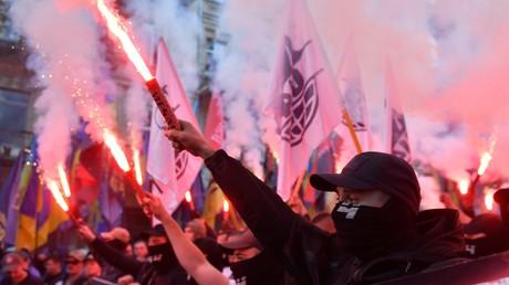 Ukrainische Ultranationalisten formen sich legal zu