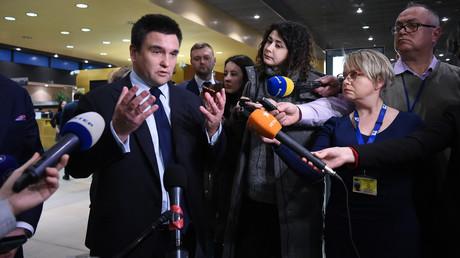 Ukrainischer Außenminister Pawel Klimkin bilanziert Ergebnisse der Verhandlungen zwischen EU, Russland und Ukraine über die Zukunft des ukrainishcen Gas-Transites am 21. Januar in Brüssel.