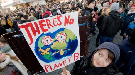 Ein Pentagon-Bericht zu den Folgen des Klimawandels bestätigt die weltweiten Proteste die darauf aufmerksam machen wollen, wie hier am 18. Januar in Hannover.